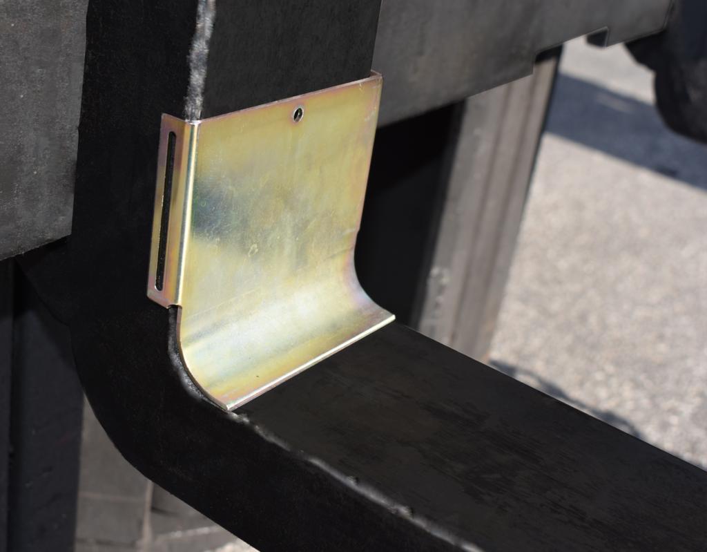 fork shield installed on fork